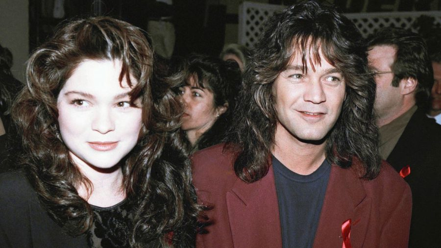 Rocker+Eddie+Van+Halen+is+shown+with+then-wife+Valerie+Bertinelli+in+Los+Angeles%2C+Jan.+13%2C+1993.+Photo+by+ASSOCIATED+PRESS.